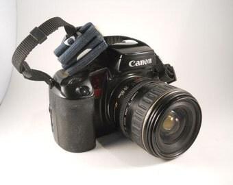Canon EOS Elan Two With Lens 28/80 Black strap
