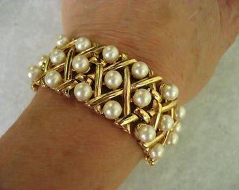 Vintage Trifari Bracelet Faux Pearls Gold Tone Lattice