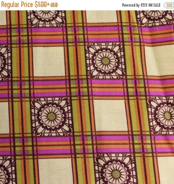 "Plaid Fabric,Daisy Fabric,Flower Plaid Fabric,100% Cotton Fabric,Quilt Fabric,Apparel Fabric,Craft Fabric,END OF BOLT 13"" x 44"" Wide"
