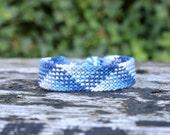 Blue friendship bracelet, handwoven, plaid pattern  (ready to ship)
