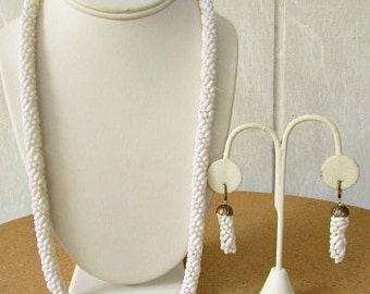 vintage 60s white beaded crocheted necklace matching drop dangle earrings screw back hand made