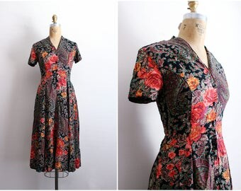 70s Indian Rayon Dress / Bohemian Indian Dress / Floral Summer Dress / Open Skirt Dress/  Size S/M