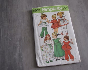 Vintage 1973 Toddler Dress and Smock Pattern - Simplicity 5993 - Size Toddler