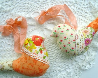 Apricot And Orange Fabric Birds / Bird Ornaments / Bird Pillows / Set Of 2 / Bird Decor / Bird Shaped / Vintage Laces / Hanging Birds /