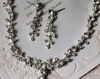 Bridal jewelry set, wedding jewelry, Bridal back drop necklace ,crystal jewelry, pearl jewelry,bridesmaid jewelry, Bridal necklace earrings