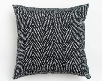 "SALE: Herringbone Black Pillow Cover. Tribal Print. Black & White Modern Pillow Cover. Extra Long Lumbar Pillow.  30"" Lumbar Pillow."