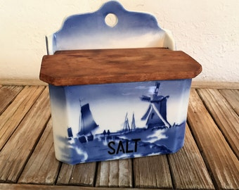 Vintage Ditmar Urback French Salt Box Blue and White Detail