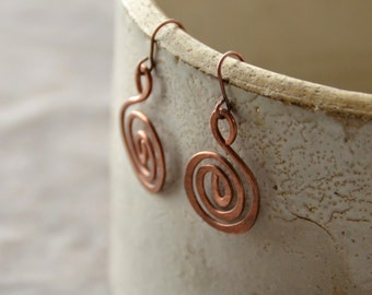 Spiral Path- hammered copper Earrings, 1 Pair