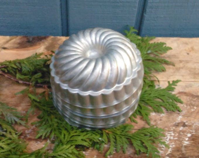 Vintage Jello Molds - Set of 6 Molds