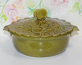Retro Cool, Vintage USA Pottery Green Dot Pattern, Lidded Tureen, Casserole, Pattern 1A6