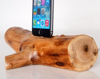 iPhone Rustic Dock from walnut wood - iPhone 5 / 5S / 5C / SE / 6 / 6 Plus / 6S / 6S Plus / 7 / 7 Plus compatible - handmade