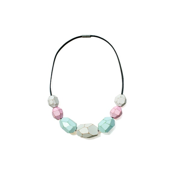 Wooden Gem Beads Necklace - White