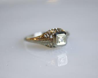 Vintage 1920s Art Deco Filigree Engagement Ring / 18K White Gold with Diamond / Size 6
