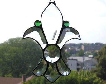 Stained Glass|Stained Glass Art Suncatcher|Fleur-de-Lis|Fleur-de-Lis Suncatcher|Green Gems|Beveled Glass|Handcrafted|Made in USA