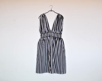 Vintage V Neck and Back Greek Goddess Sleeveless Black and White Striped Summer Dress