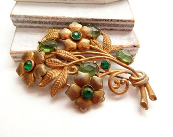 Antique Art Nouveau Large Gold/Brass Tone Green Glass Rhinestone Brooch Pin X7