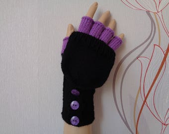 Hand-knitted black lilac color women convertible fingerless gloves/wrist warmers to mittens with buttons