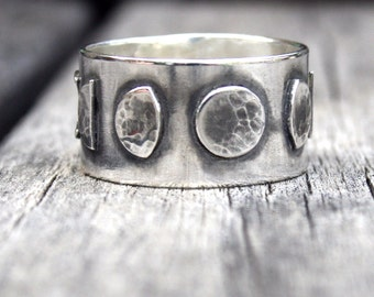 Moon Phase Ring - Sterling Silver - Seven Phases of the Moon