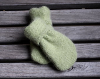 Newborn Infant Thumbless Mittens to 18m, Green Cashmere Mittens, Sweater Mittens, Upcycled/Reclaimed Cashmere Mittens, Cashmere lined