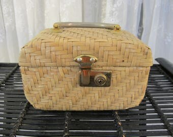 Vintage 60's lacquered woven straw box purse