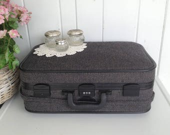 """Skyway Tweed Luggage Suitcase Charcoal Gray Black ... Black Interior Combination Lock Great Extra Storage w Wheels 21"""" x 14 x 9"""" Not Perfect"""