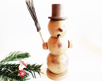 Lovely German Vintage Smoker Incense Smoker Man Snowman, from the 70s Erzgebirge + 1 Box German Incense Cones