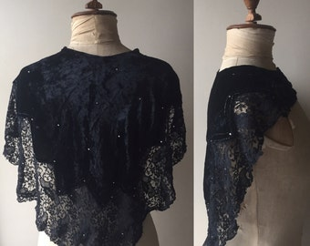 SALE! 1920s 1930s velvet cape collar