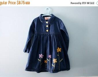 ON SALE Girl's vintage blue denim dress /  Embroidered flowers /  dark blue jean dress / Size 4 to 5