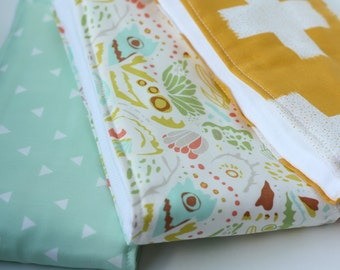 Oversized Baby Burp Cloths by JuteBaby - Gender Neutral Yellow and Mint