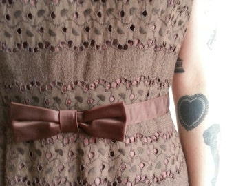Exquisite Chocolate 50s Eyelet dress -S/M-