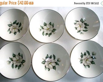 ON SALE Vintage Rhythm Magnolia six fruit/berry bowls RY217 by Homer Laughlin China Shabby Chic Cottage Chic