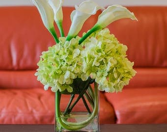 Finest Silk Green Hydrangea with Real Touch Calla Lily Tall Square Glass Vase Artificial Faux Arrangement for Home Decor