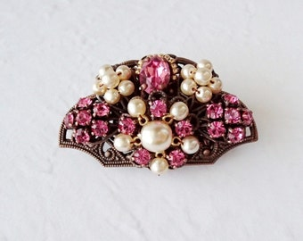 Sweet Pink Rhinestone Brooch in Fan Shape. Vintage Style Rhinestone Jewelry. Pink Costume Jewelry. Romantic Gift Ideas for Spring Summer