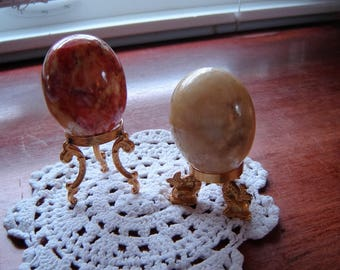 Decorator eggs on gold stands home decor collectibles Alabaster eggs 2 pc set with stands