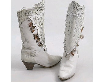 1980  white boots embellished with feathers & rhinestone  Disco us5.5/ 80s disco white boots
