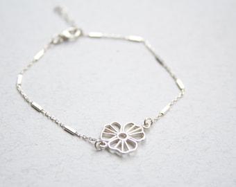 Sterling Silver flower bracelet, Dainty flower bracelet, Delicate silver bracelet, Silver bridesmaid bracelet, Bridesmaid flower bracelet