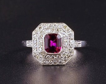 A Belle Epoque 1.15 Ct natural ruby and diamond plaque ring
