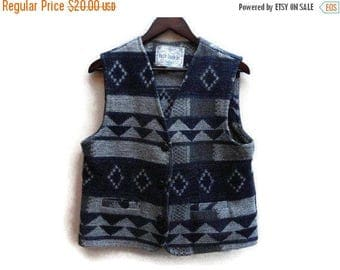 SALE Tribal Knit Vest Razzle Dazzle Vintage M Made in Ukraine