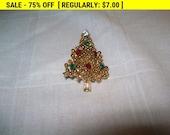 rhinestone christmas tree pushpin, holiday brooch, xmas brooch, vintage christmas