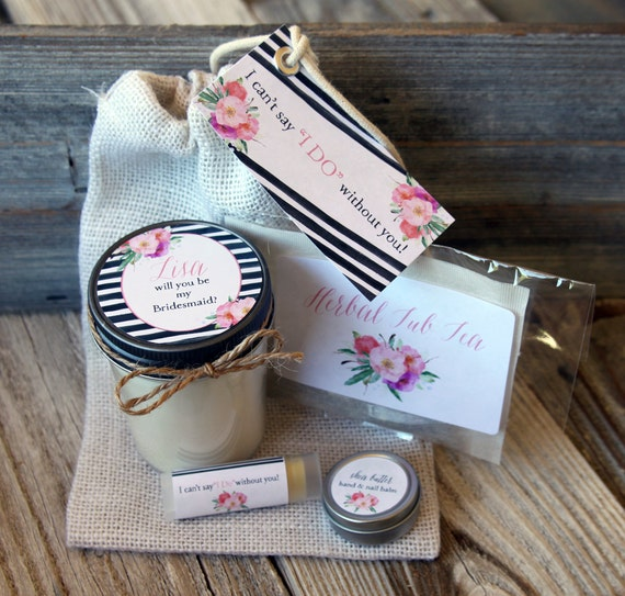 Bridesmaid Proposal Set of 4  Will you be my Bridesmaid Gift // Will you be my Maid of Honor Gift // Bridesmaid Candle //