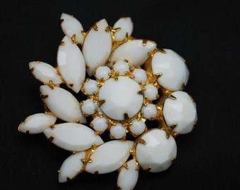 White Milk Glass Flower Brooch - Atomic - Snow flake Pin - Juliana style