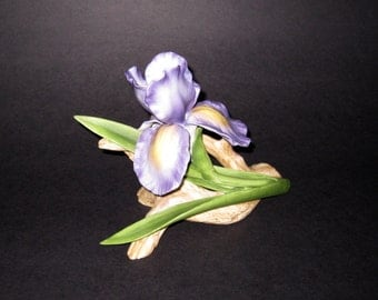 Vintage Purple Mere Iris Figurine # 7032 ; Andrea By Sadek. Retired
