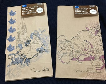 A Set of 5 Japanese Disney Kraft Gift Bags (Pick 1) Snow White or Alice in Wonderland