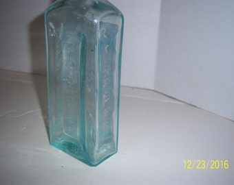 1890's Hood's Sarsaparilla Lowell, Mass  8 3/4 inch tall Aqua Medicine Bottle