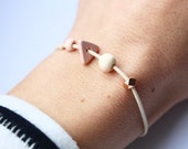 Triangle & pastel: Geometric bracelet with triangle and material mix / pastel neutral or with color picker