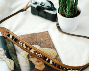 THE WANDERLY || Camera Strap Leather, Brown Camera Strap, Leather Strap DSLR,, Female Photographer, Handmade Strap, Navajo Strap, Toronto