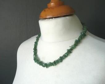 Jade chip necklace - vintage jade necklace - semi precious stone necklace - green stone necklace