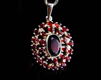 Vintage bohemian Garnet necklace / deep red / sterling silver / January birthstone / Capricorn Aquarius / 15th 40th 45th anniversary