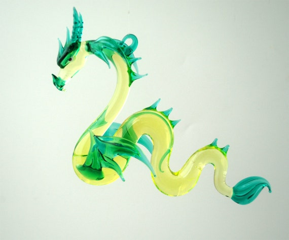 e36-910 Large Sea Dragon Green Neon