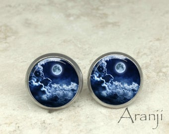 Full moon earrings, moon earrings, moon stud earrings earrings, moon jewelry, space, full moon jewelry, moon posts, moon studs, SP102E